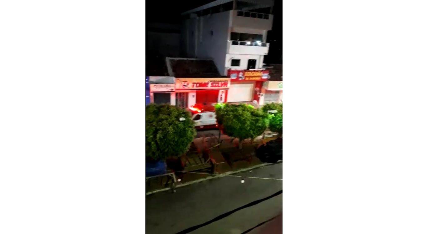 Jovens foram socorridos em três ambulâncias