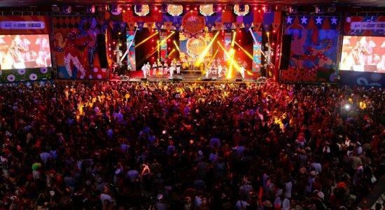 Veja a cobertura da TV Jornal do 56º Baile Municipal do Recife