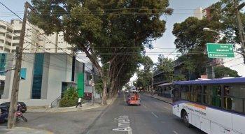 Mudanças ocorrem no cruzamento da Rua Amélia com a Esmeraldino Bandeira