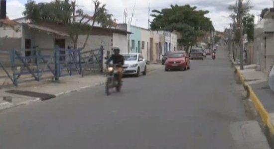 Rua Macaparana, em Caruaru, passa a ser mão única