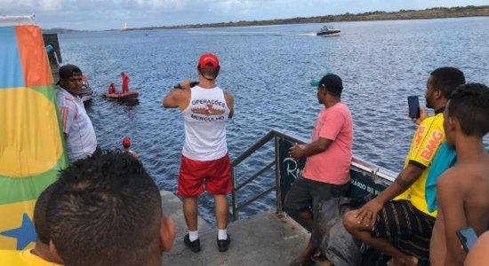 Corpo de adolescente é encontrado pelos Bombeiros no Rio Capibaribe, no Marco Zero