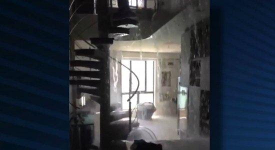 Após piscina algar apartamento de luxo em Boa Viagem, construtora se exime de culpa e aponta erro