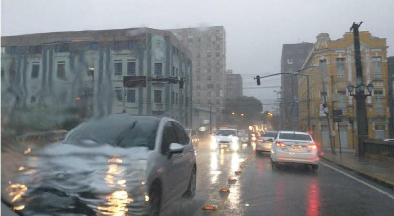A Apac emitiu mais um alerta de chuva