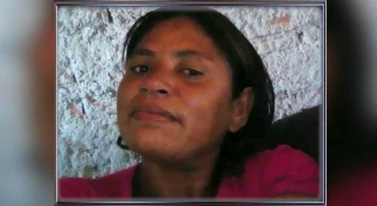 Mulher é morta a facadas e homem fica ferido na casa de suspeito