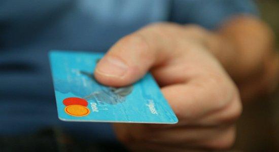 Polícia Federal investiga venda de cartões de crédito e habilitação falsificada pela internet