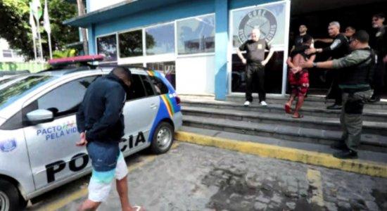 Planos de possíveis ataques no carnaval encontrados em sede de torcida