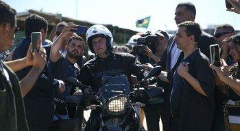 Bolsonaro em passeio de moto