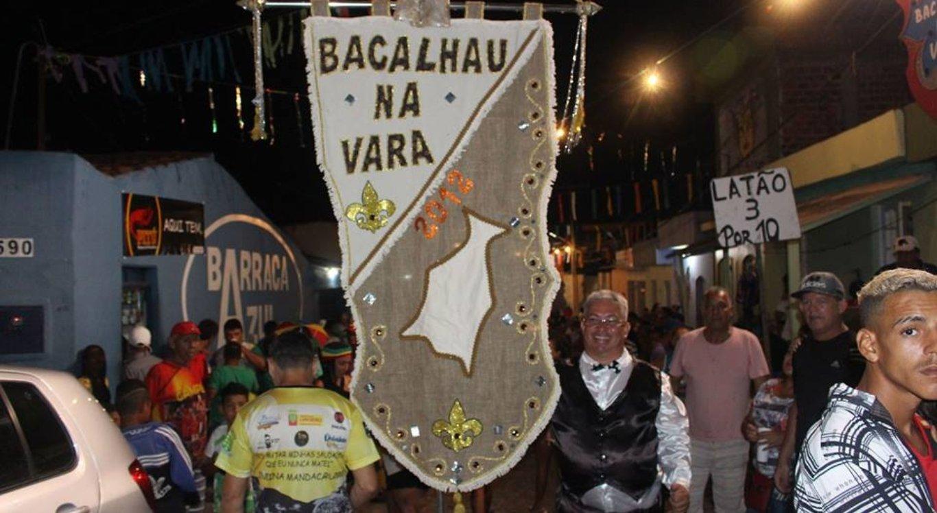 Bloco Bacalhau na Vara em Limoeiro