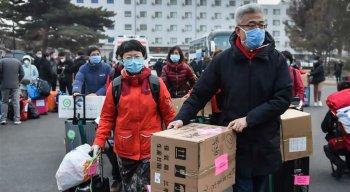 Autoridades de saúde chinesas colocaram sob observação 652 mil pessoas, após terem tido contato próximo com os infectados com o coronavírus