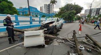 O acidente aconteceu por volta das 5h.