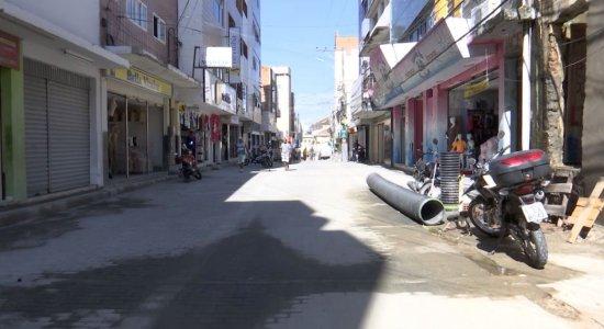 Rua São Sebastião, em Caruaru, está em obras