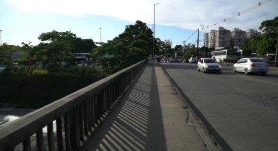 Barro: falta de sinalização em viaduto põe vida de motoristas em risco