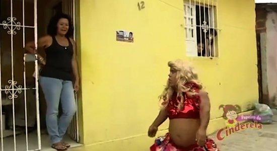 Em quatro episódios, Papeiro da Cinderela relembra paródia 'As Pernambucanas' na web