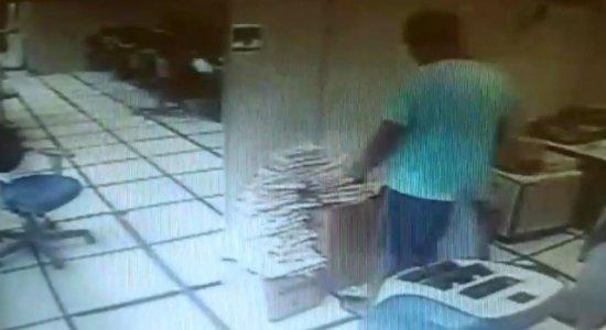 Homem é preso após invadir e furtar agência da Caixa Econômica no Recife