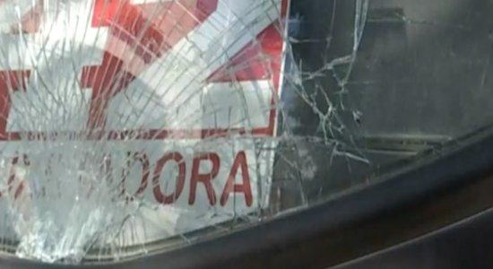 Idosa tenta atravessar rua e é atropelada por ônibus em Caruaru