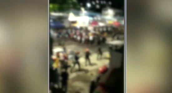 Policiais são agredidos durante bloco na Zona Sul