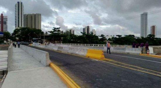 Ponte da Avenida Fagundes Varela, em Olinda, é novamente interditada para obras