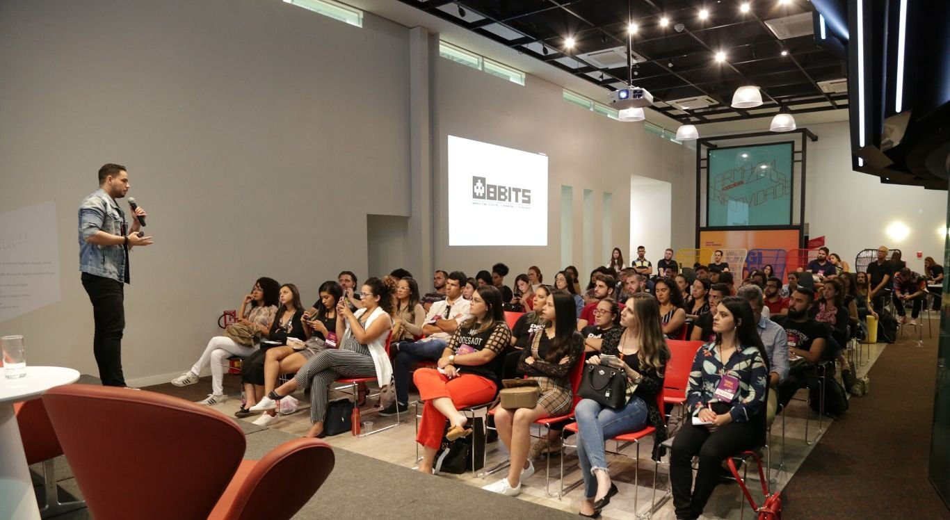 Evento reúne profissionais da comunicação para debater estratégias