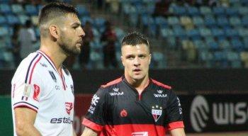 William Alves perdeu o pênalti que deu a classificação ao Atlético-GO