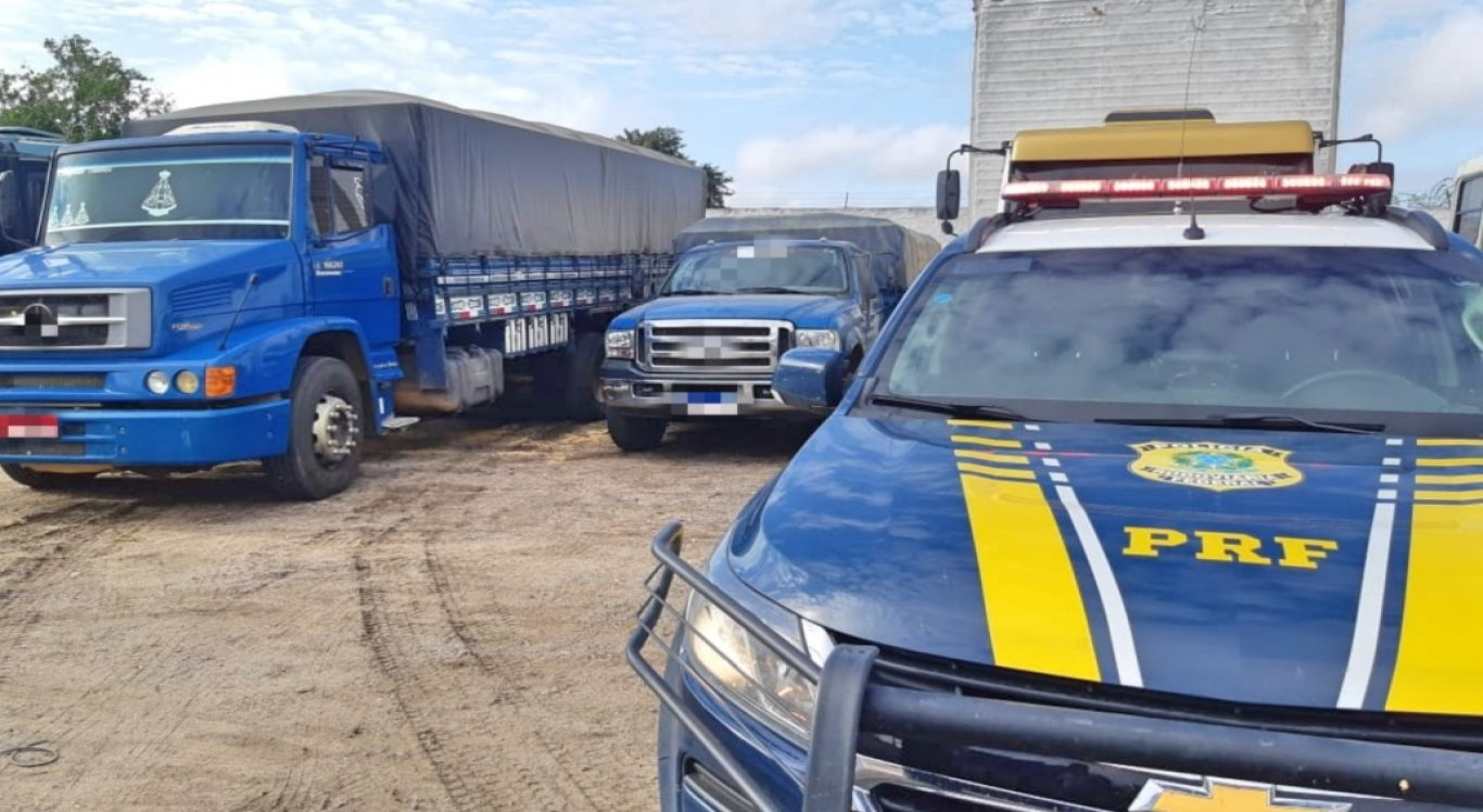 Cargas de milho e feijão sem Nota Fiscal são apreendidas em Garanhuns
