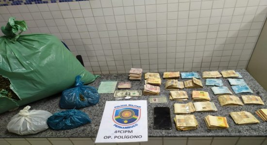Polícia Militar apreende grande quantidade de maconha em Petrolândia