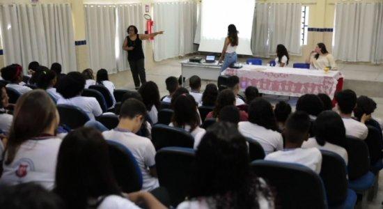 Estudantes participam de ação de combate ao coronavírus