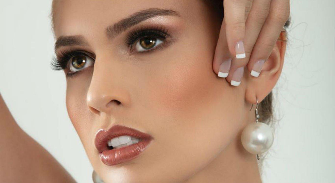 Hannah Gomes, de 26 anos, disputa o Miss Pernambuco
