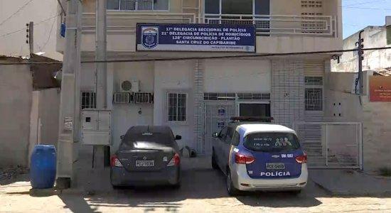 Adolescente ameaça mãe de morte, é detido com arma e drogas e liberado