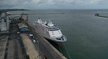 O cruzeiro atracou no Porto do Recife e foi isolado pela Agência Nacional de Vigilância Sanitária
