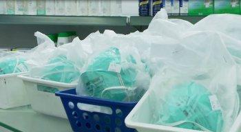 A procura por máscaras cirúrgicas e álcool em gel cresce no Recife
