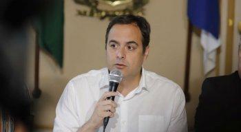 Governador Paulo Câmara anunciou medidas para conter avanço do coronavírus em Pernambuco