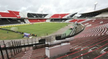 O estádio foi com portões fechados para evitar a propagação do Coronavírus.
