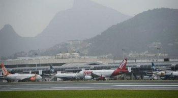 Medida atinge aeroportos de Brasília, Guarulhos, Galeão e Manaus