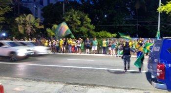 Dois homens foram detidos durante o protesto a favor do Governo Bolsonaro, na Zona Sul do Recife