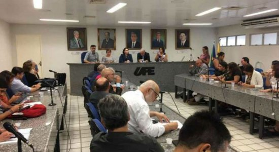 Universidades de Pernambuco suspendem aulas a partir desta segunda (16)