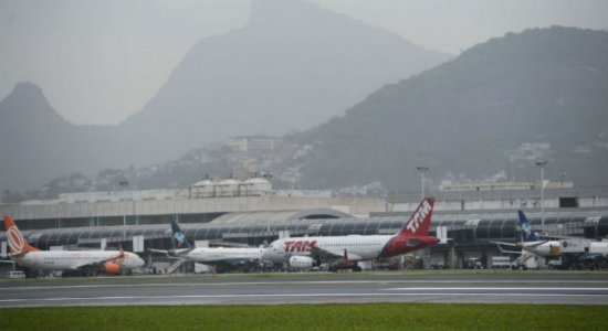 Coronavírus: American Airlines suspende voos para o Brasil