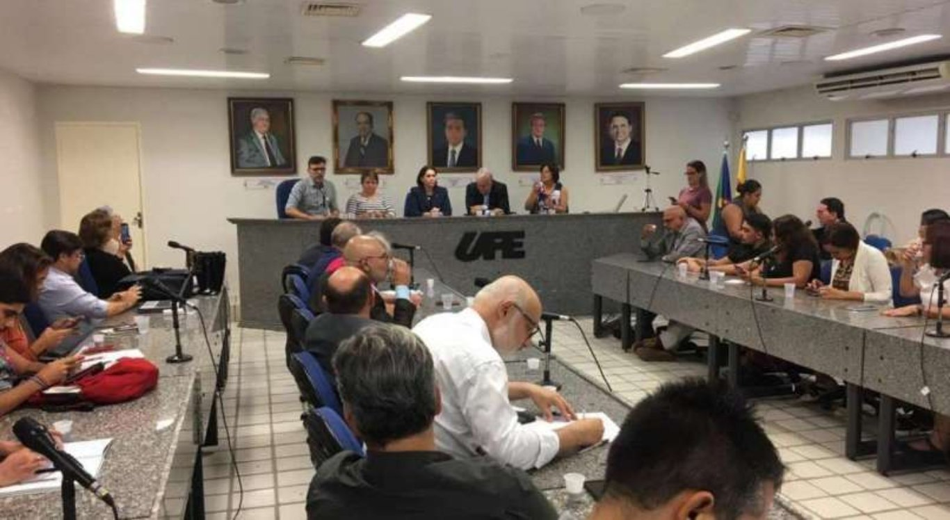 Universidades de Pernambuco suspendem aulas a partir desta segunda
