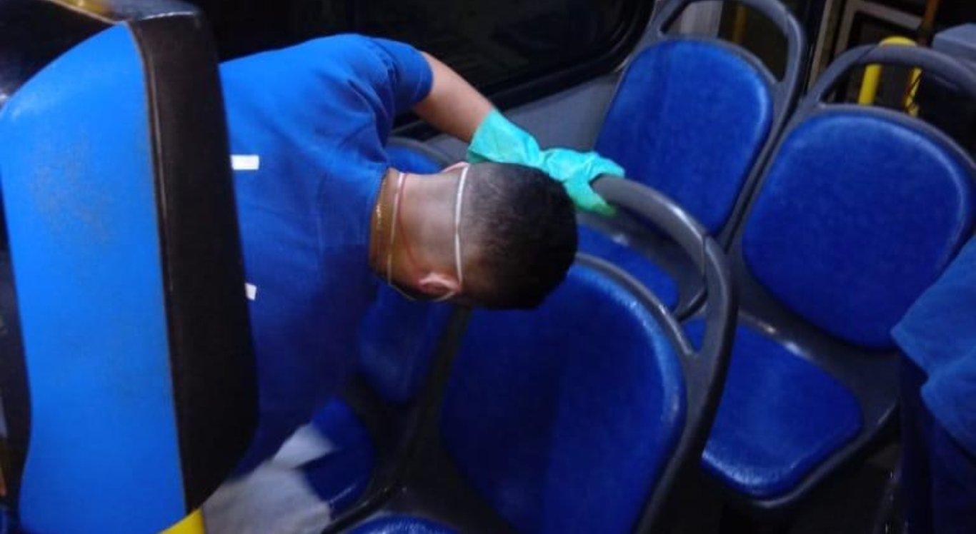 Empresas de ônibus de Caruaru intensificam cuidados na limpeza dos veículos