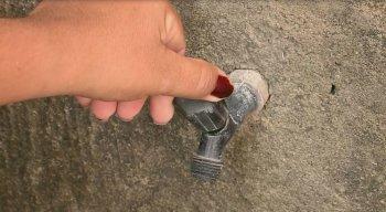 Moradores do Grande Recife temem que falta de água atrapalhe a prevenção ao coronavírus