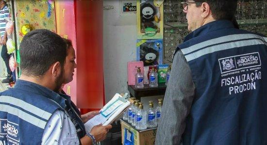 Coronavírus: Procon autua farmácia em Jaboatão por preço abusivo do álcool gel