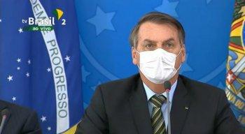 O presidente da República, Jair Bolsonaro, esteve de máscara na entrevista coletiva