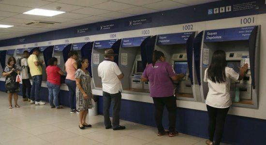 Agências da Caixa abrem neste sábado para pagamento do auxílio de R$ 600; veja quais em Pernambuco
