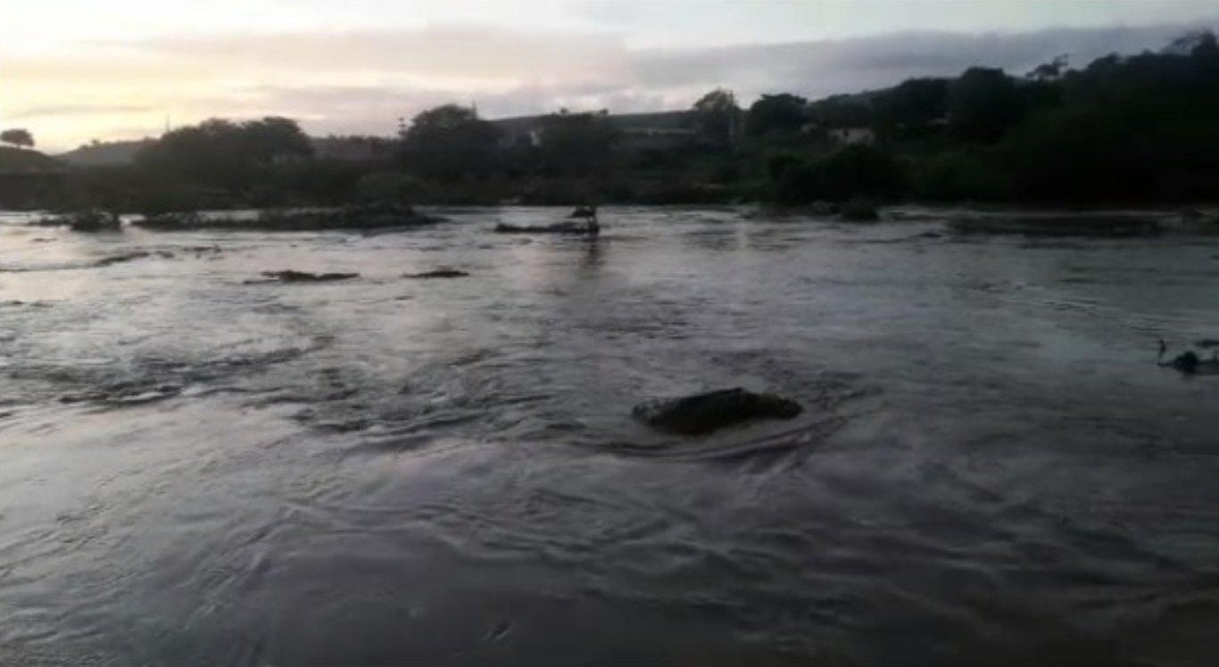Rio Capibaribe começa a receber águas das chuvas no Agreste