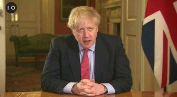 Primeiro-ministro determinou que os britânicos fiquem em casa