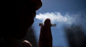 Fumantes também estão no grupo de risco do novo coronavírus