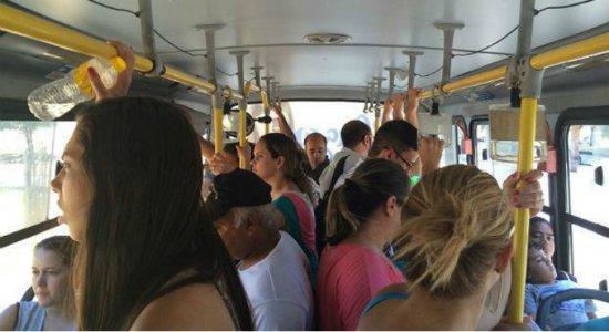 Coronavírus: Governo de Pernambuco proíbe aglomeração em ônibus e terminais integrados