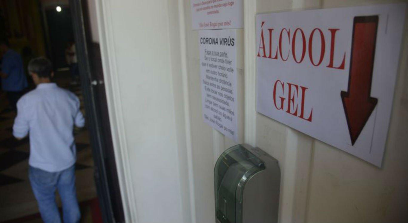 Álcool em gel está sendo utilizado para higienização das mãos