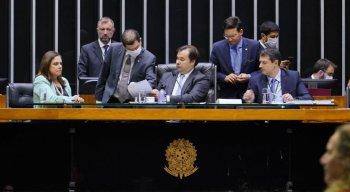 Plenário aprecia a proposta de auxílio durante crise do coronavírus