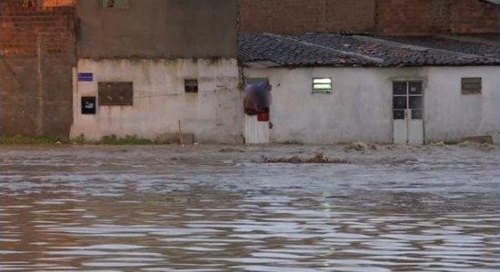 Chuvas provocaram alagamentos em Caruaru