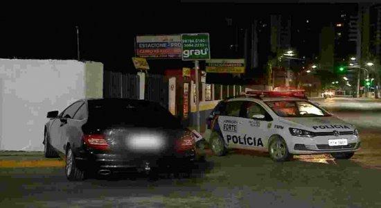 Roubo de carro de luxo termina em perseguição e morte em Jaboatão